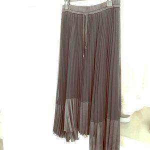 Bailey 44 Black Pleated Midi Skirt. Size Medium